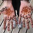 Hennad hands