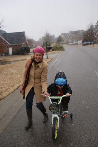 Christmas10_bikesnow2